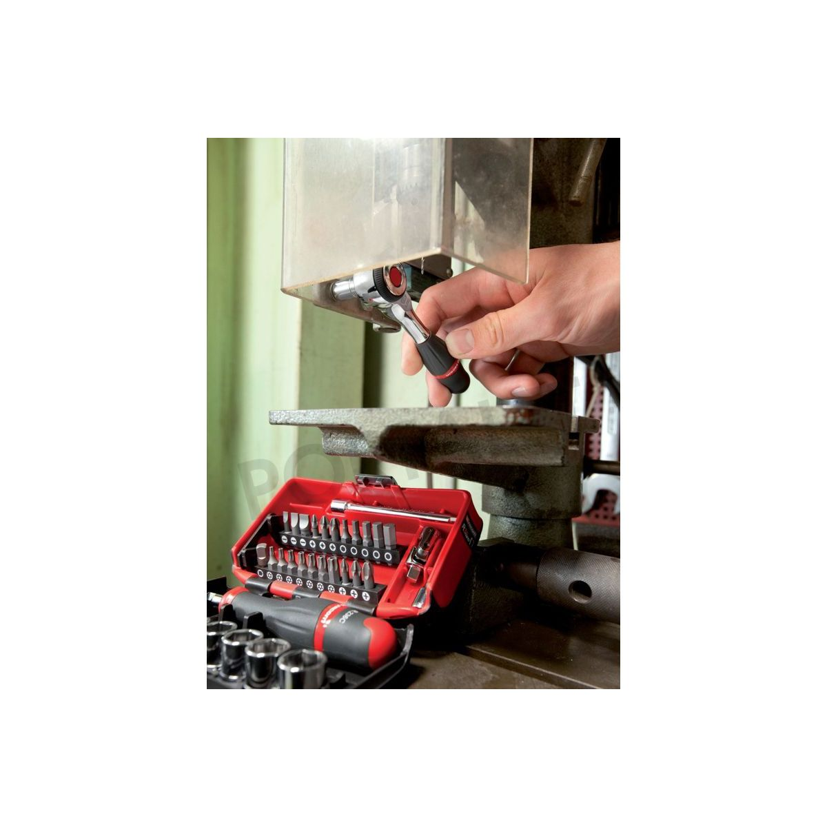 Achetez le coffret Cliquet 1 4 manche rotatif R.360NANO FACOM. e93dce0cd559